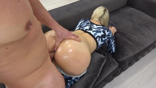 Sporty Teen with oily anal gets huge load on ass / grinding in yoga pants porno