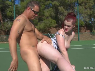 800DAD - PAWG Jaye Rose Slam Fucked op tennisbaan