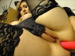 Girlfriend makes you an anal video