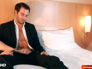 Fred's big cock massage ! (straight guy seduced for gay porn)