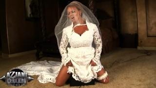 Wedding Fitness Milf rides the Sibian