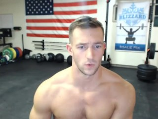 Sexy muscle cums on camera