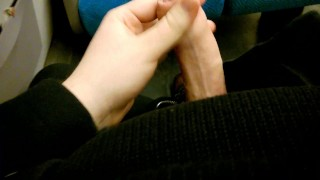 A wank on the evening train. porno