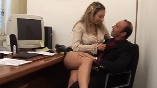 Pornstar Veronica Belli take in hairy wet pussy a great Cock!!!