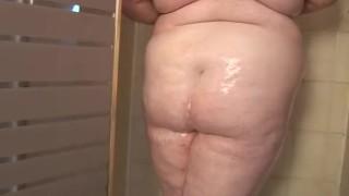 Redhead SSBBW Oils Up In the Shower Black butt