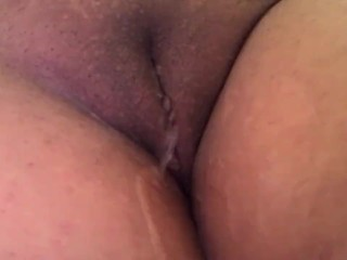 HOT fat pussy peeing in the shower