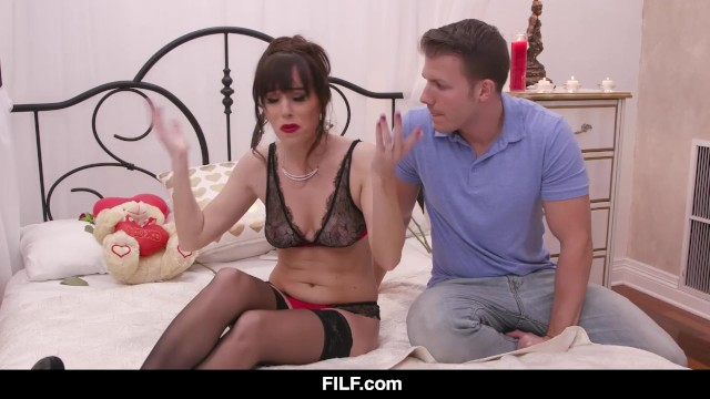 Alana Cruise Gets Stood Up On Valentines Day, Uses Stepson 8