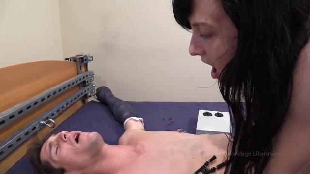 Nicole graves handjob teaze Elise graves mercilessly teases tony orlando in cast bondage - part 3/5