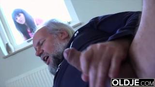 19 yo helps grandpa gave orgasm by fucking him and swallowing his cumshot
