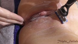 Tatooed MILF get shaved in bath - pussy, closeup, fetish