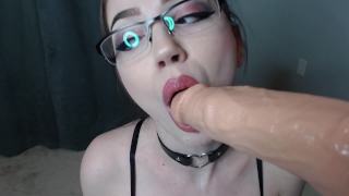 Blowjob in dildo cum rubia cumming and glasses facial pov in mouth glasses dsl