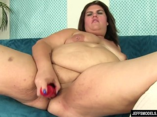 Fat Danni Dawson Uses Sex Toys to Bring Herself to Powerful Orgasms