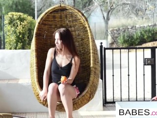Babes - Silky Smooth starring Taylor Sands