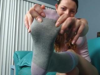 Bubblegum Brat Foot Tease
