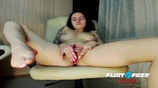 Lusty Sonya on Flirt4Free Fetish - Dirty Talkin Babe Toys with Feet & Dildo porno