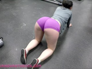 This Gym Is Full Of PERVS! - Skarlet At The Public Gym