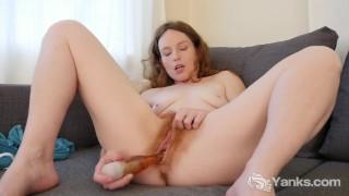 Yanks Ana Molly Tears into her Pussy
