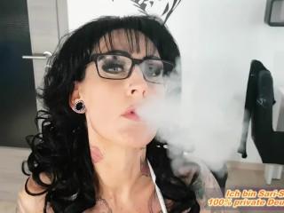 Rauchen Schwarzes Blowjob Mädchen Sperma Rauchen