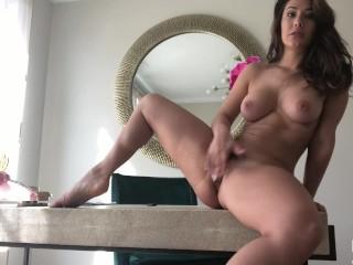 Eva Lovia 002