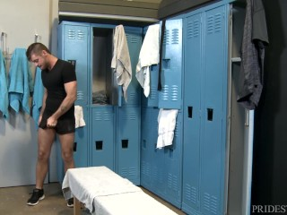 SEXY White Boy With A Nice Big Ass Dick – Locker Fuck