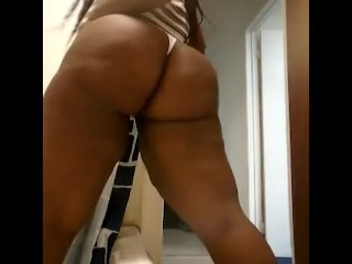 Sexy Bbw sexy tease in bathroom