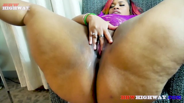Amateur Ebony Cumming Hard