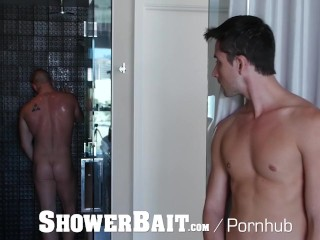ShowerBait Str8 Chris Woods shower fucks Liam Aries