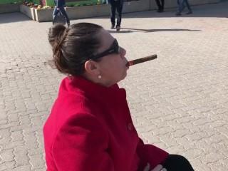 Nikita mirzani - Cigar in public again