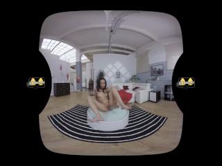 VR porn with Amanda Estela who sucks and fucks her glass dildo