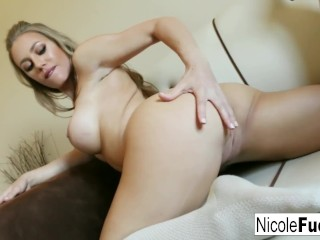 Blonde beauty Nicole Aniston pleasures herself