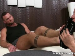 Hunk gets his feet licked and massaged by his horny lover