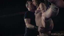 BDSM Tiener slaaf gespanked met lasso in fetisj porno video ze slikte cum