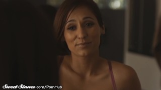 Abella Danger Watches her MILF Crush Fuck a Guy! Cunnilingus naughtyamerica