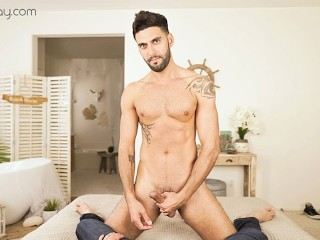 VRBGay.com Mick Stallone Showing off his big sexy cock Gay VR PORN