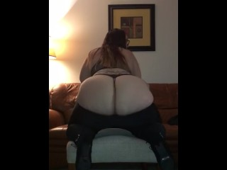 Chubby Pawg shakes her fat ass
