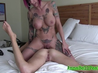 ANNA BELL PEAKS AND HER BIG TIT BRUNETTE FRIEND USE DOUBL SIDED DILDO