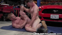 Big Dick Muscle Mechanic Gets Ass Fucked In Garage!