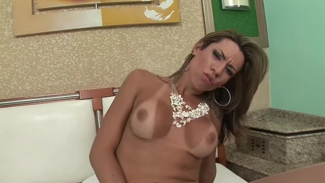 Bubble butt Big Tit Tranny PATRICA SABATINY Gets Fucked By Huge Cock 7