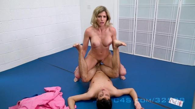 MILF sex s synom Pokrvní bratia karikatúra porno