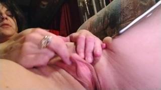 Big clit cumming while watching porn