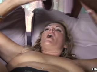 Milf getting that black salami stuck up her soaking wet twat
