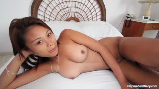Stunning young Asian pussy creampied