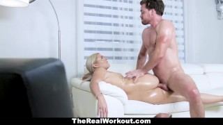 Chick does sensual teamskeet healing huge fitness some ass with gym doggystyle