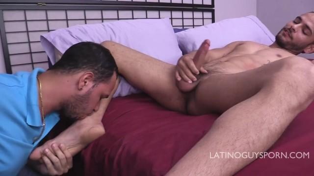 Free gay latino porn Latino papi daguy facefucking italo