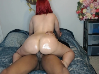 Thick ass red head ride's cock w/ perfect ass & make's friend cum fast!