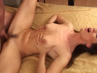 Hot girl getting creampied enjoys a good fucking