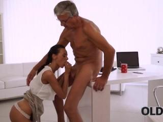 Scopate A Tre Video Porno Con Vecchie Troie