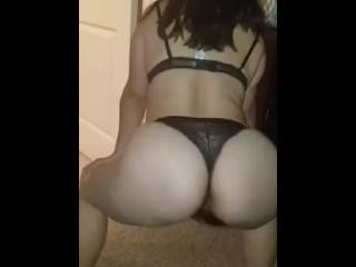Hot wife ass shaking