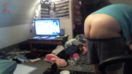 buttcrack - fat white girl cleaning up her dirty room