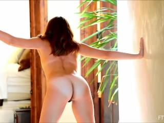 Maricella Roasting hot Leggy and Kinky
